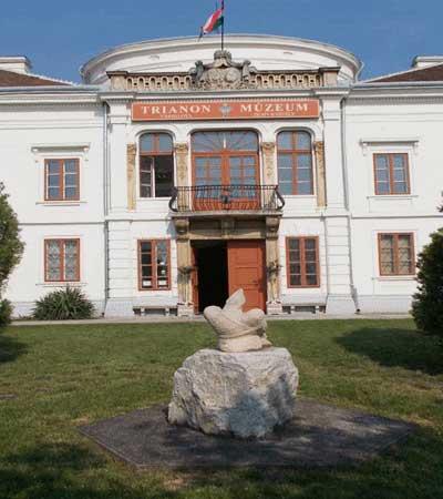 trianon muzeum
