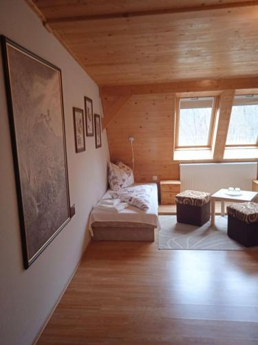 erdely-vadaszkastely-brasso-szoba (2)