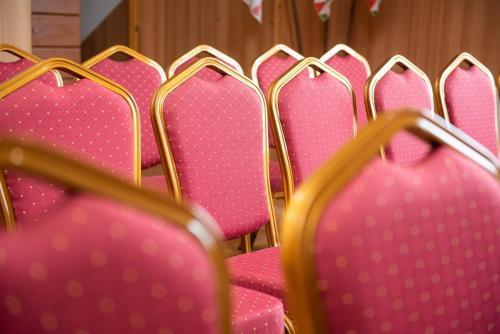 Konferenciaterem bekeszites  12