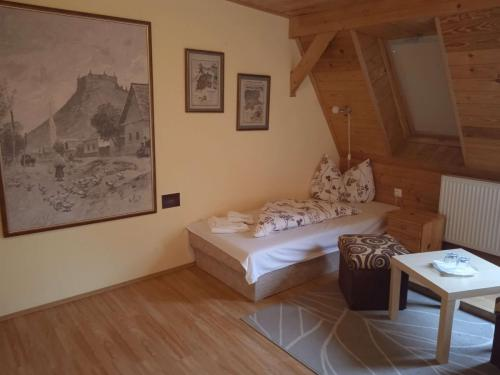 erdely-vadaszkastely-nagyvarad-szoba (4)