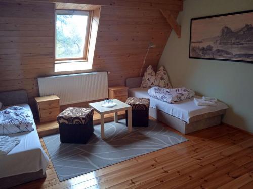 erdely-vadaszkastely-torda-szoba (3)