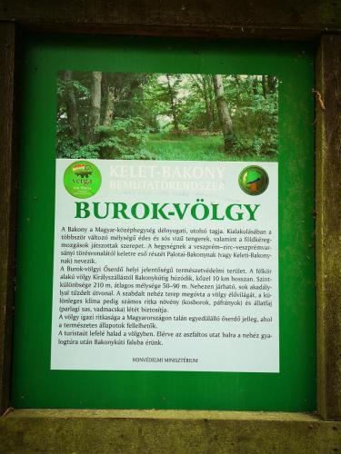 Burok-völgy, Bakony, piros kereszt